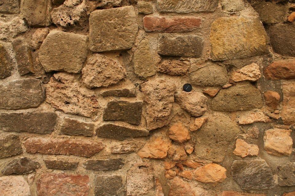 Eger várának építő- és díszítőkövei