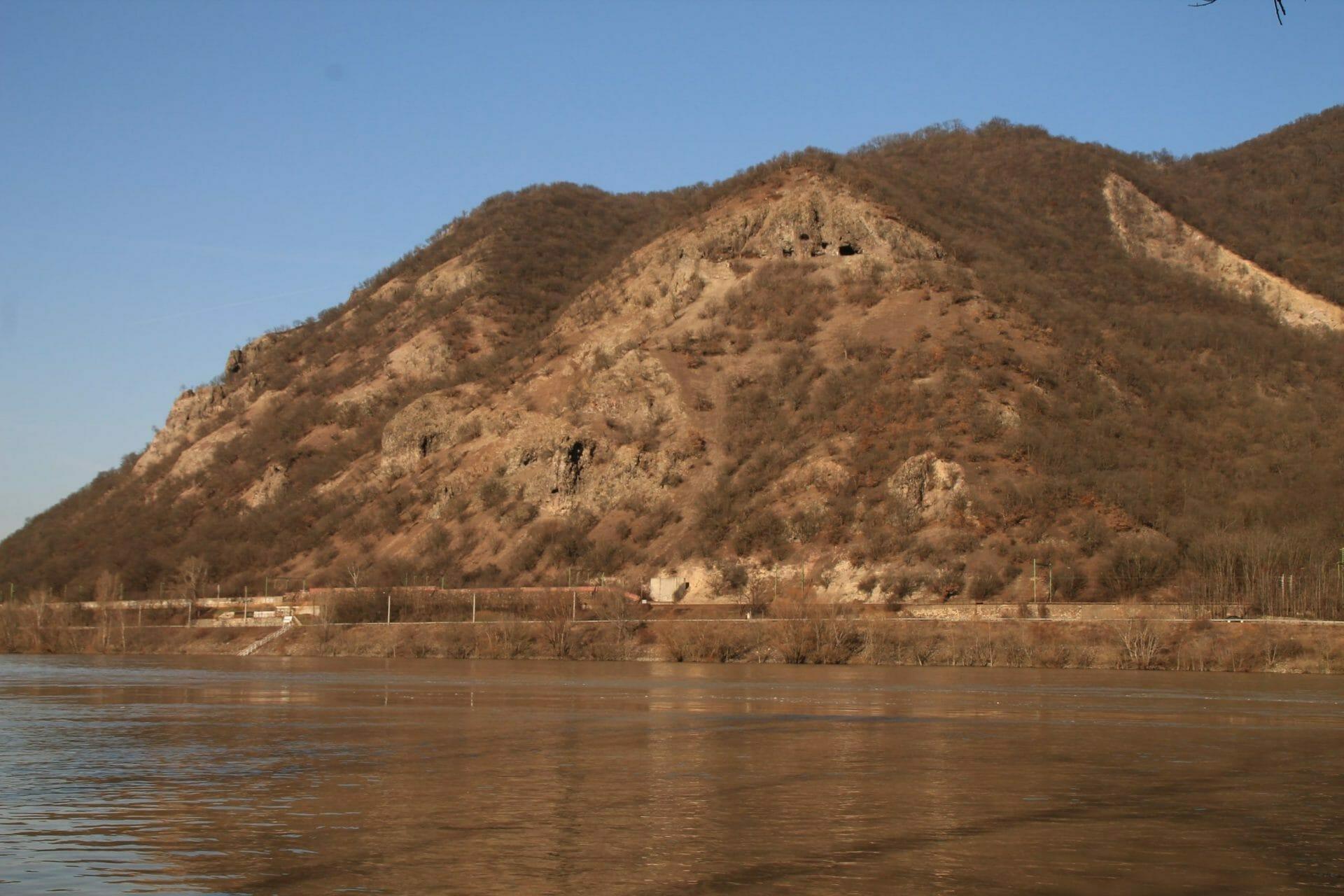 Remeték a Duna felett